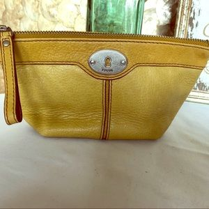 FOSSIL Maddox wedge cosmetic bag - Yellow